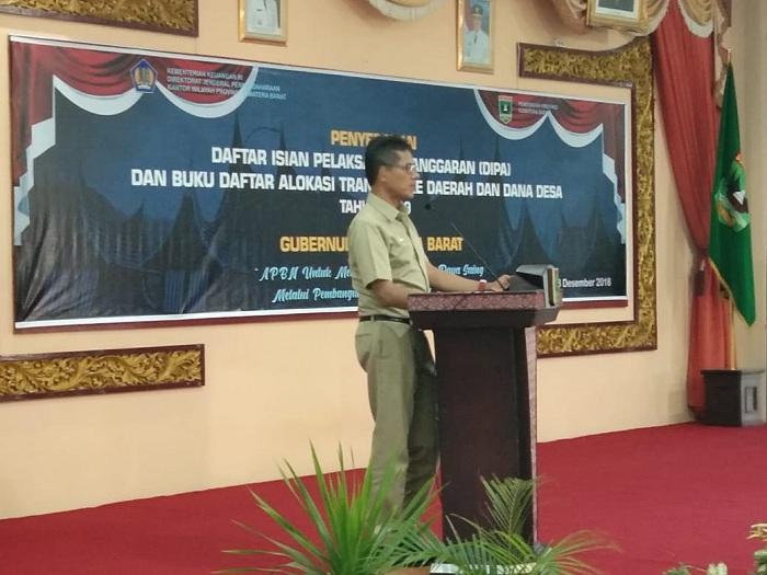 Gubernur Sumbar, Serahkan DIPA 2019 Kepada Bupati dan Walikota