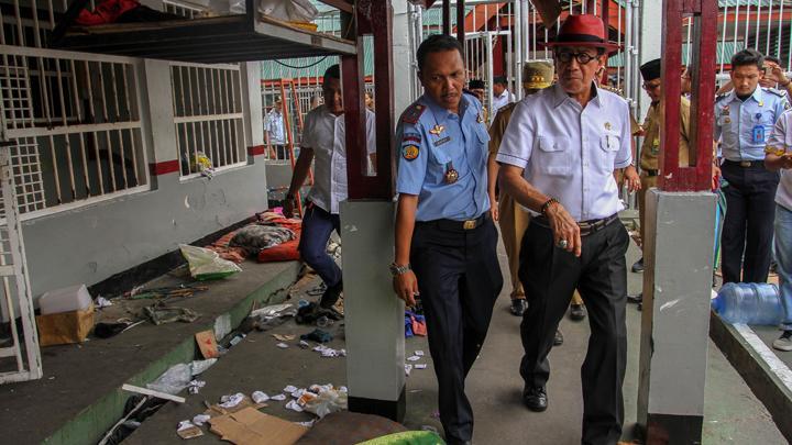 Tahanan Kabur Akibat Kerusuhan, Menteri Yasonna Laoly Non Aktifkan Semua Pegawai Lapas Narkotika Langkat