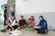 Kadis Kesehatan Mentawai Dampingi Bocah Penderita Penyakit Kanker Mata Asal Simalibbeg