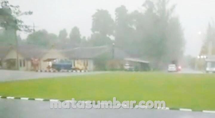 Pemkab Mentawai Tetap Laksanakan Upacara Peringatan Hari Lahir Pancasila Meski di Guyur Hujan Lebat