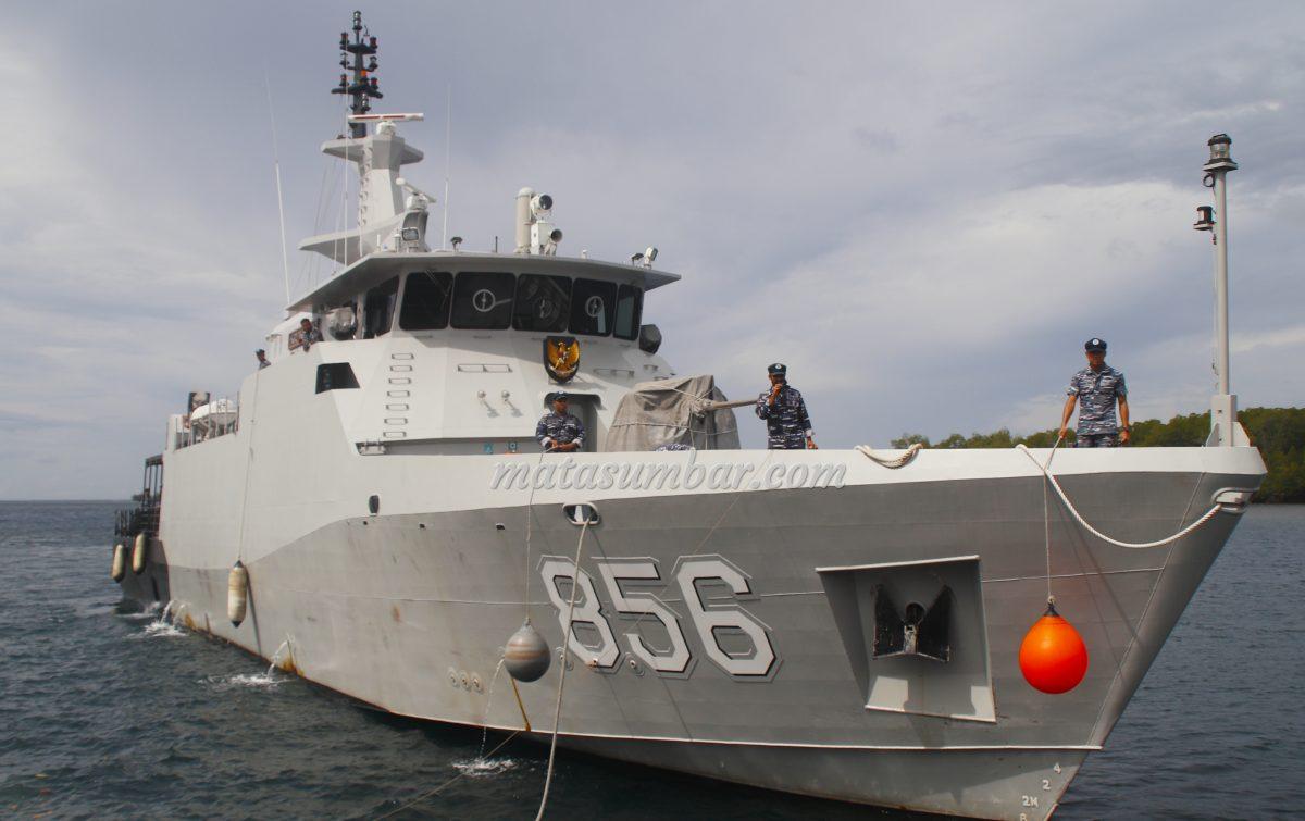 Kapal Perang KRI Kurau-856 Patroli di Perairan Kepulauan Mentawai