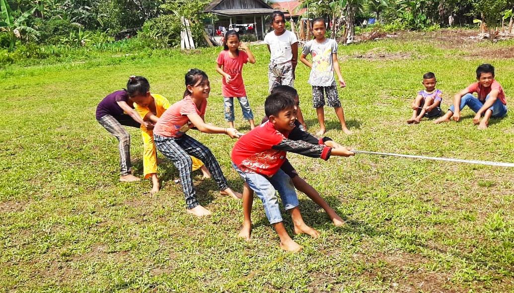 Meski di Kepulauan, Anak SDN 11 Berkat Tak Ketinggalan Meriahkan HUT RI