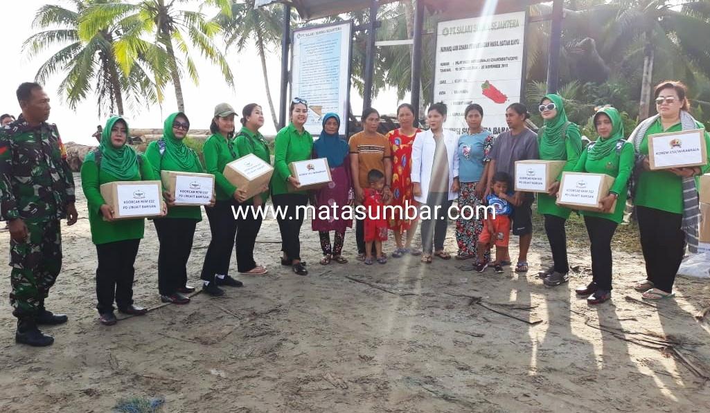 Bakti Sosial di Pulau Siberut, Ketua Persit Rem 032 PD I/BB : Kondisi Pendidikan dan Kesehatan Masih Mempriahtinkan