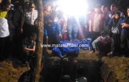 Jenazah Korban Asal Pessel Tiba di Padang, Langsung Dimakamkan