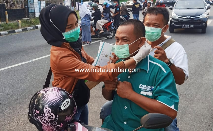 Peduli Kabut Asap, Komunitas BKP Bagikan 2000 Masker