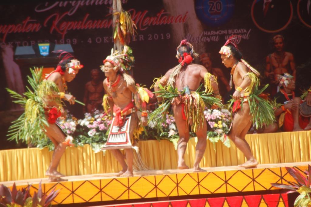 Sepintas Uraian Sejarah Perjuangan Mentawai Jadi Kabupaten