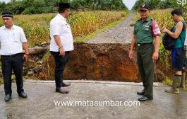 Diterjang Banjir, Akses Jalan dan Jembatan di Pasbar Terputus