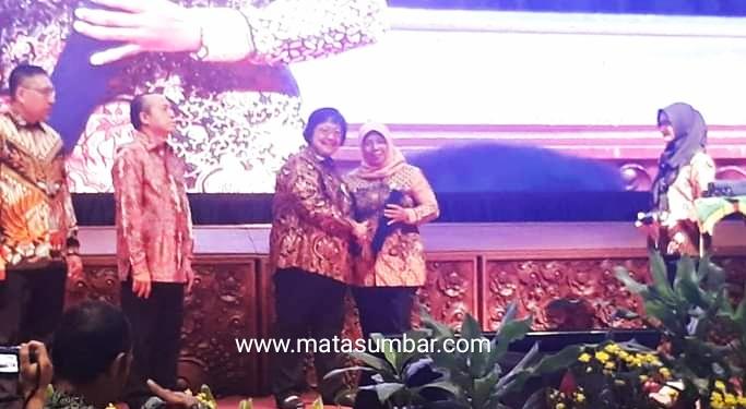 Pemko Padang Panjang Terima Penghargaan Dari Kementerian LHK Sebagai Pembina Proklim