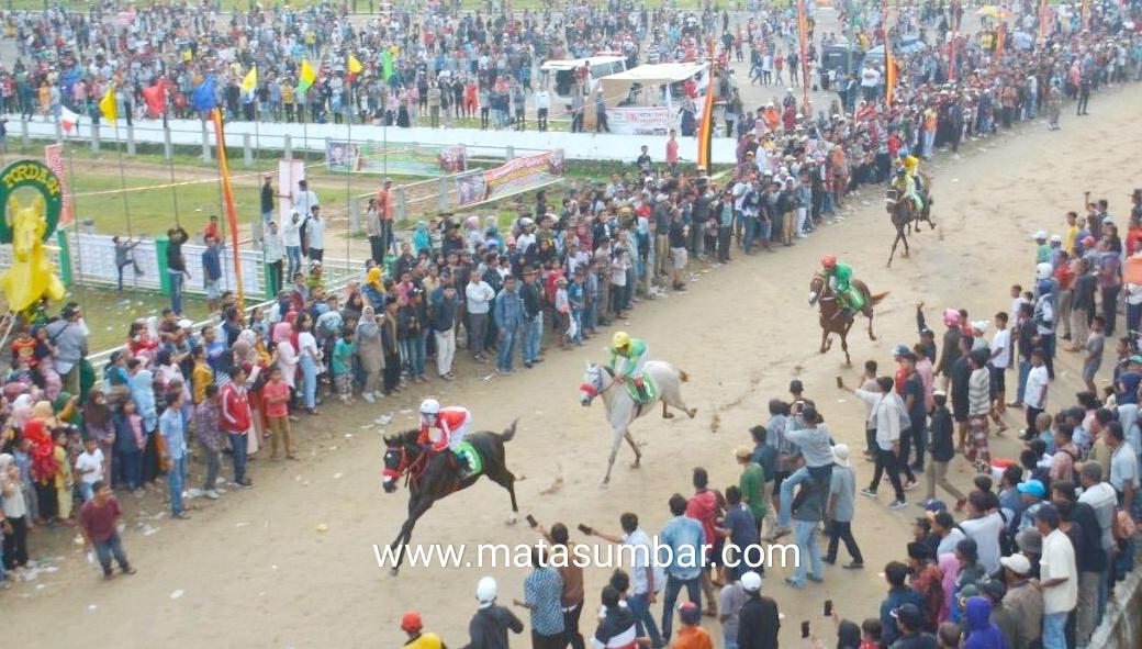 Empat Tahun Vakum, Pacu Kuda Alek Nagari Padang Panjang Akhirnya di Helat