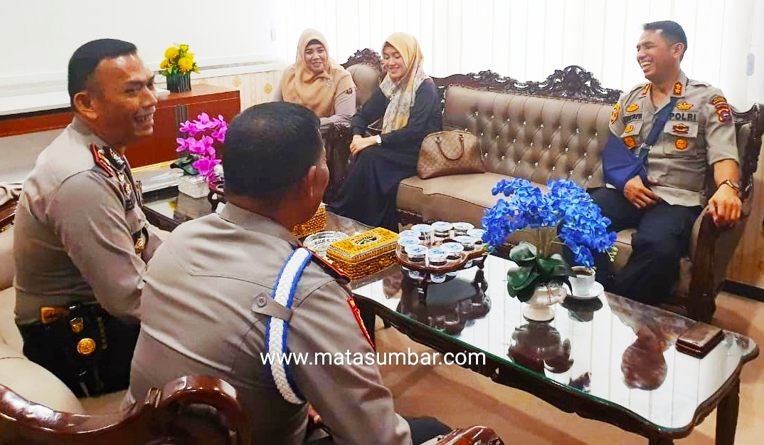 Meski Kondisi Tangan di Bedong, AKBP Hendri Yahya Tetap Menunaikan Tugas Negara