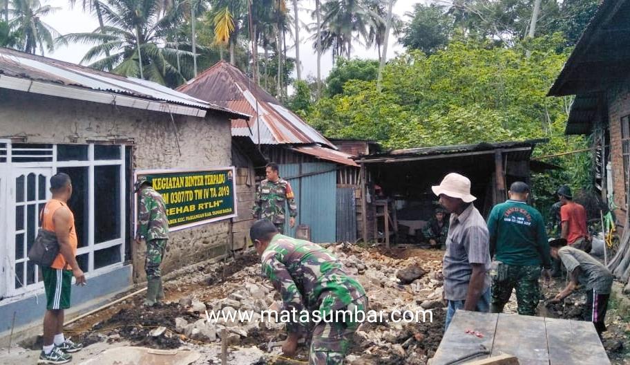 Kodim 0307 Tanah Datar Bedah Rumah Warga Melalui Dana Bantuan Baznas