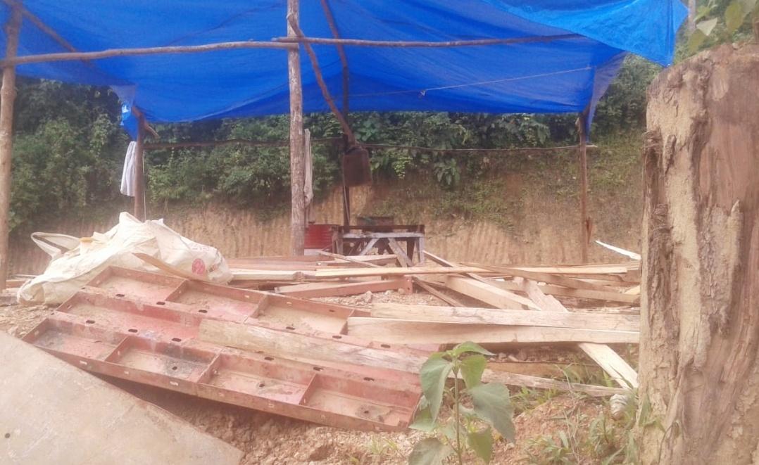 Ditemukan Pengolahan Kayu Ilegal di Lokasi PLTMH Lintau, Diduga Kayu Hutan Lindung