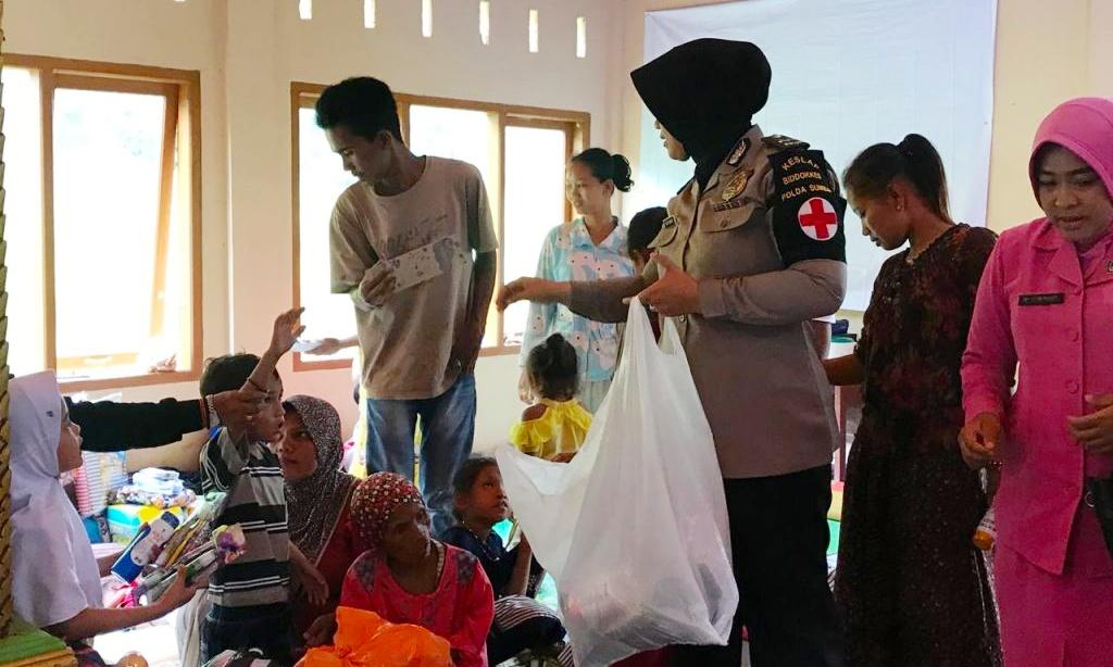 Kekurangan Sembako, Fakhrizal Respon Cepat Bantu Korban Banjir di Pakan Rabaa Solsel