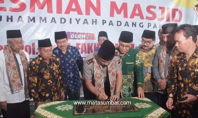 Irjen Pol Fakhrizal Resmikan Masjid Taqwa Muhammadiyah Padang Panjang