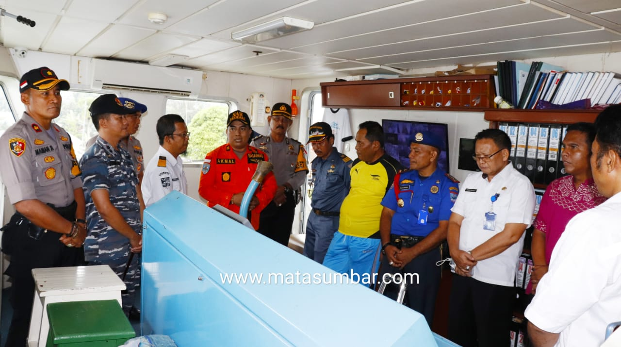 Antisipasi Kecelakaan Laut, Forkopimda Mentawai Cek Kelengkapan Kapal Penumpang
