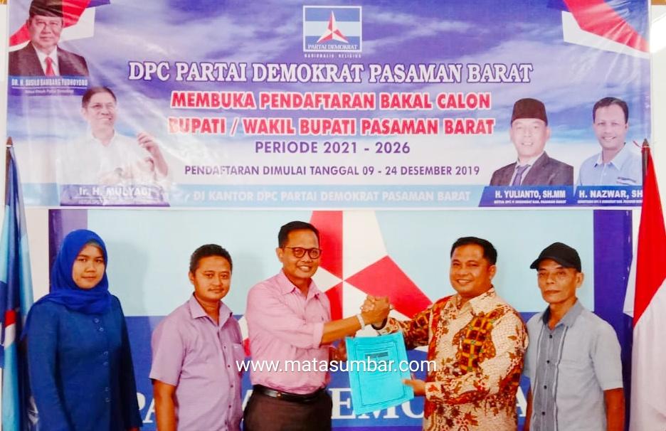 Maju Calon Bupati Pasaman Barat, Erianto Mendaftar di Partai Demokrat