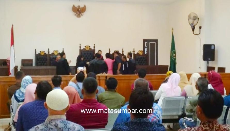 Sidang Wabup Pessel, Saksi : Persoalan Izin Sesuai Petunjuk Dishut Provinsi
