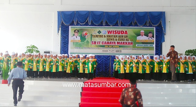115 Pelajar SD IT Wisuda, Bupati Pasbar : Pemda Siap Dukung Sekolah Islam