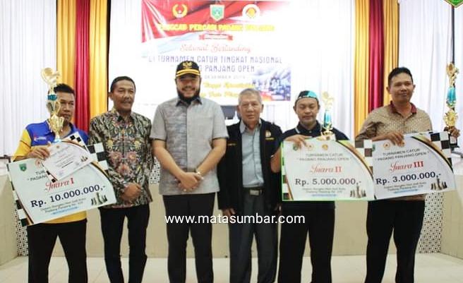 Turnamen Catur Tingkat Nasional di Padang Panjang, Peserta Asal Riau Keluar Sebagai Juara
