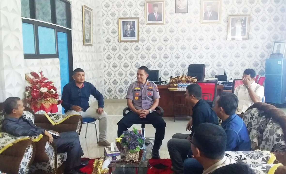 Jelang Pilkada, KPU Silahturahmi Dengan Kapolres Pessel
