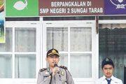 Pimpin Upacara Bendera, Kapolsek Sungai Tarab Sampaikan Pesan Moral Kepada Pelajar SMP
