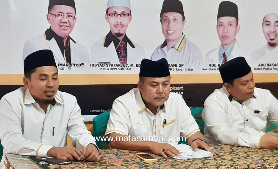 Wahyu IP Serahkan Formulir Ke DPD PKS Tanah Datar