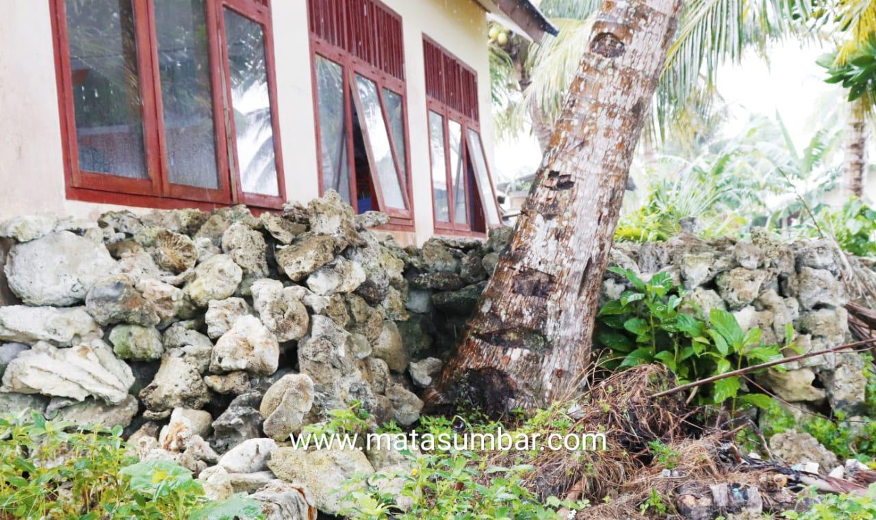 Pembangunan Kantor Desa Sioban Rencana Gunakan Batu Karang, Kades Artius : Menunggu Kebijakan Bupati
