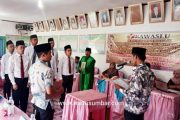 Ketua Bawaslu Tanah Datar Lantik 6 Anggota Panwaslu Pariangan Sekaligus Berikan Pembekalan
