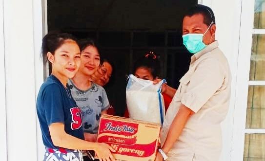Politisi Partai Gerindra Maru Saerejen Bantu Warga Mentawai Terdampak Corona di Padang