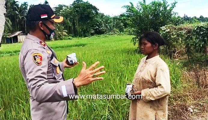 Berbagi Itu Indah, Polres Mentawai Salurkan Bantuan 100 Nasi Bungkus Untuk Masyarakat