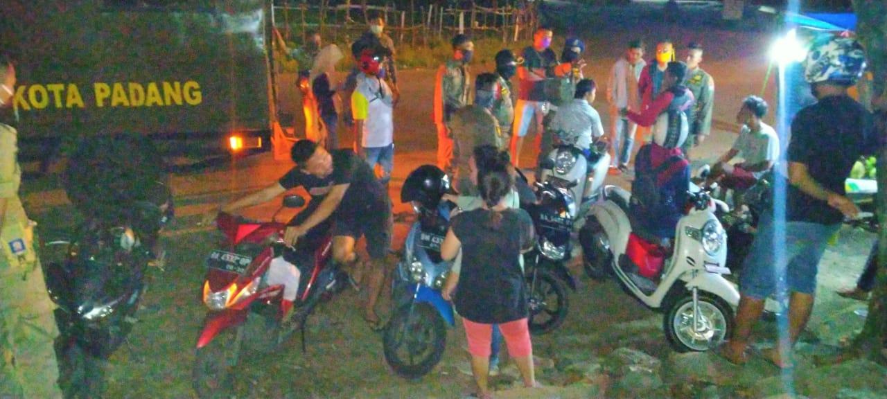 Tak Hiraukan Himbauan Pemerintah, 17 Orang Diamankan Sat Pol PP Kota Padang