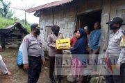Polres Pasaman Barat Bagikan Puluhan Sembako kepada Kaum Dhuafa di Lingkuang Aua