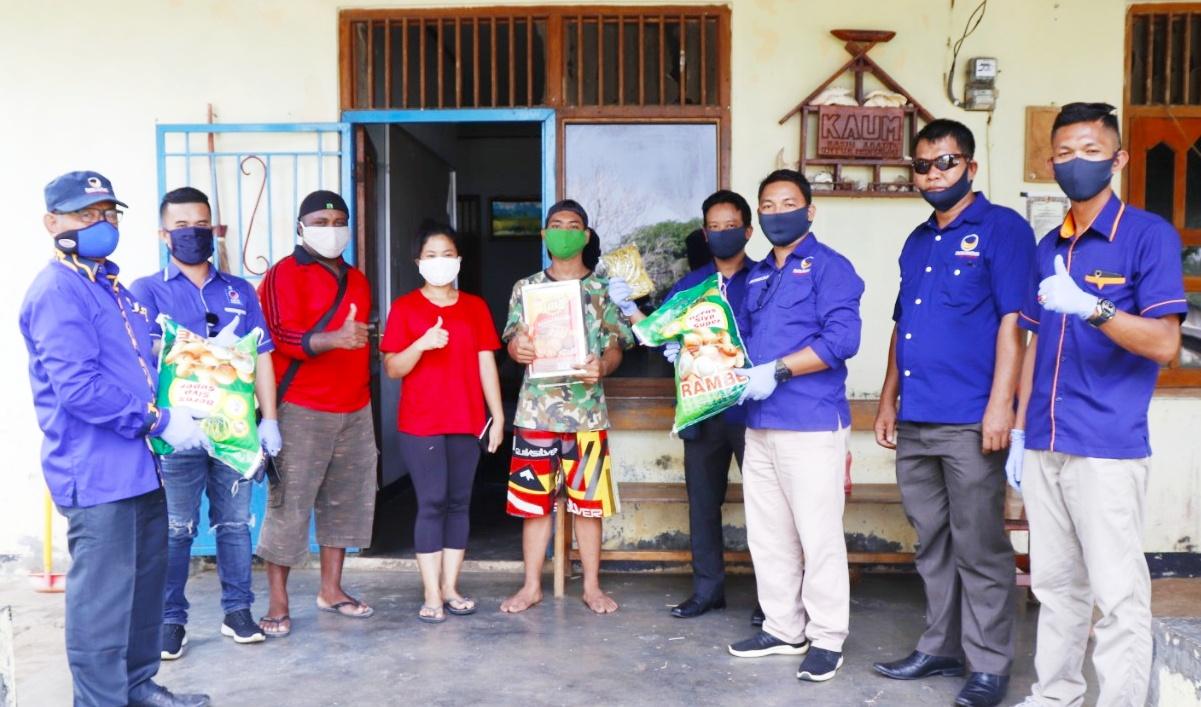 Peduli Kasih, DPD Partai Nasdem Mentawai Berbagi Sembako