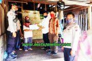 Penyerahaan BLT-DD Desa Matobe di Kawal Polsek Sipora dan Pembagian Diantar Kerumah Warga