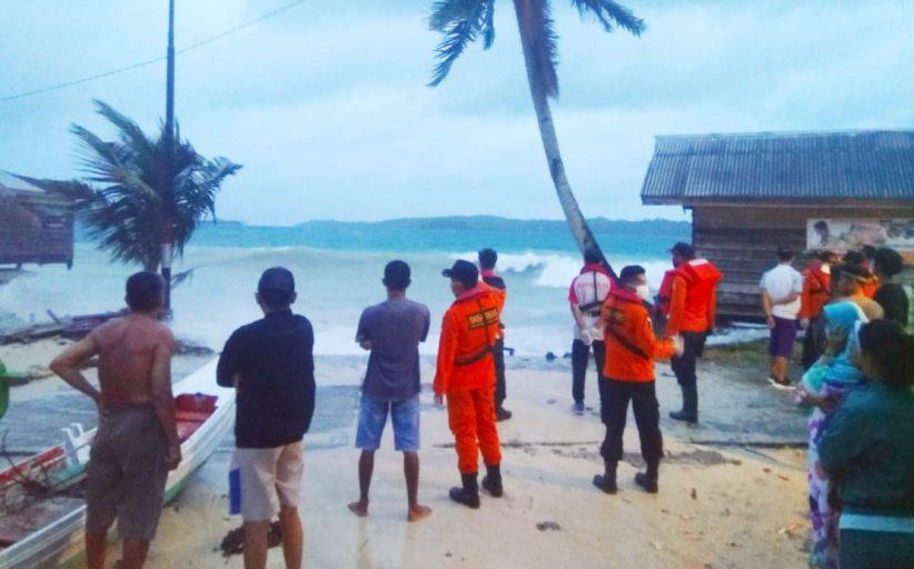 Breaking News, Badai Serta Gelombang Tinggi Kembali Hantam Rumah Warga di Tuapejat