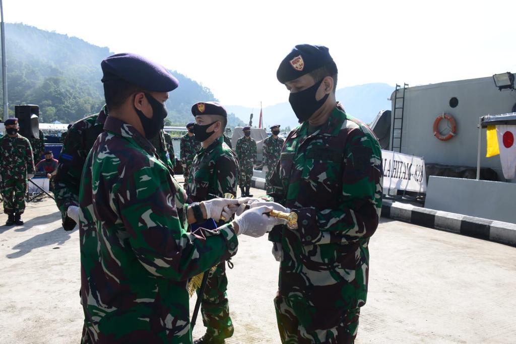 Mayor Laut (P) Avissema Herlambang Jabat Komandan KRI Kalahitam 828