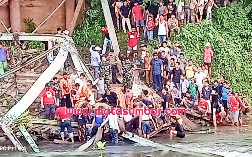 Breaking News, Jembatan di Korong Kayu Gadang Ambruk, Satu Pekerja Tewas dan 4 Alami Luka
