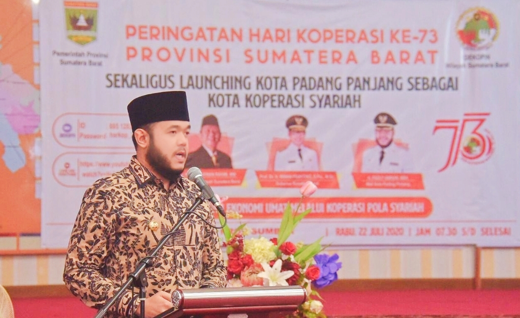 Padang Panjang di Tetapkan Sebagai Kota Koperasi Syariah di Sumbar