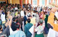 Tuntut Beberapa Keluhan, Ratusan Masyarakat Sikilang Datangi DPRD dan Kantor Bupati Pasbar