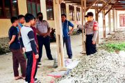 Antisipasi Abrasi, Kapolsek Sipora Ingatkan Pihak Sekolah dan Pelajar Untuk Tidak Mengambil Material Laut di Pinggir Pantai