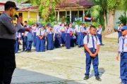 Pengawasan AKB, Pelajar dan Guru Banyak Tak Pakai Masker, Kapolsek Sipora Berikan Himbauan