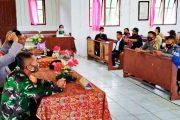 Bahas Anggaran 2021, Babinsa Sikakap Hadiri Musdes Desa Taikako