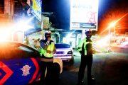 Berikan Himbauan Prokes dan Berlalu Lintas, Satlantas Polres Pasbar Patroli Malam