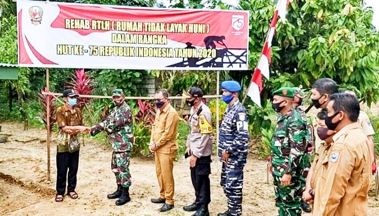Bedah RTLH Rampung, Kodim 0319/Mentawai Serahkan Kepada Penerima Manfaat