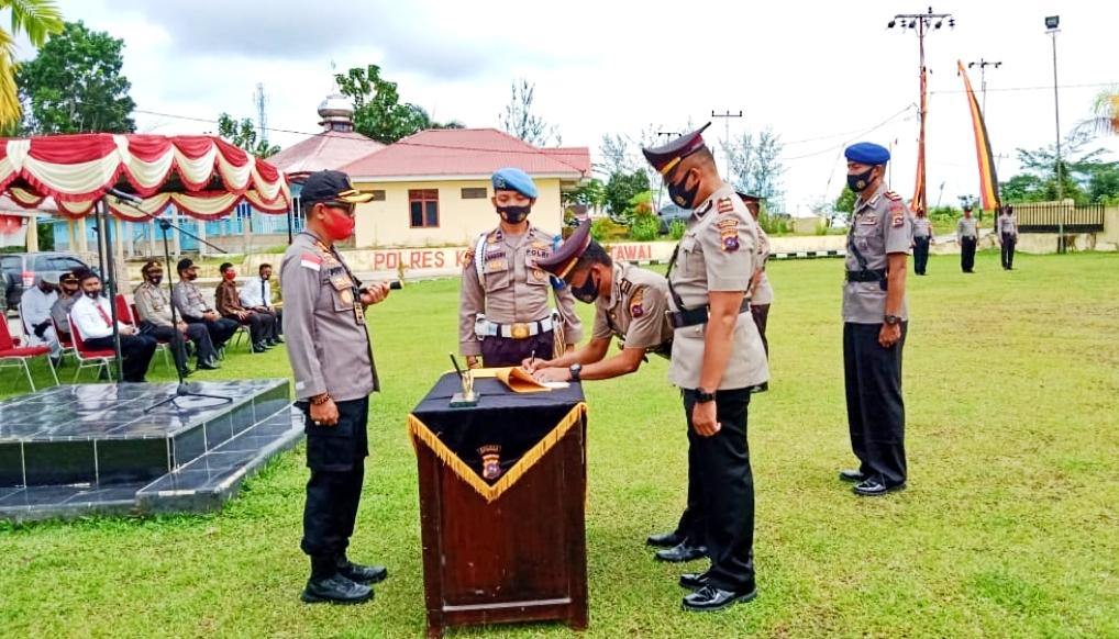 Kapolres Mentawai Pimpin Sertijab Kapolsek Siberut dan Dua Kasat