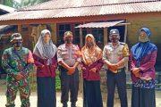 Mahasiswi UIN Padang Gandeng Babinsa Sikakap Komsos Dengan Warga Dusun Makukuet