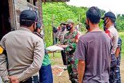 Solidaritas TNI-POLRI Salurkan Sembako Kepada Fakir Miskin di Sikakap