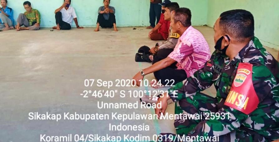 Adanya Penyalahgunaan Uang Kompensasi Dari PT.MPL, Babinramil Sikakap Bersama Masyarakat Matobe Lakukan Musyawarah