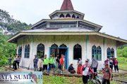 Sudah Lama di Tinggalkan, Masjid Muhajirin Km 37 di Fungsikan Kembali Polsek Sikakap
