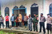 Sosialisasi AKB, Babinramil Sikakap Berbagi Masker di Dusun 37 Pagai Selatan
